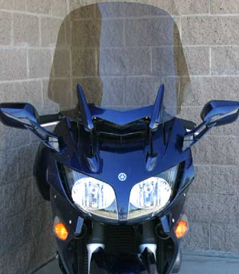 Rifle windshield for 2006 Yamaha FJR in up position