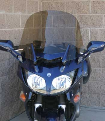 Rifle windshield for 2006- Yamaha FJR in down position